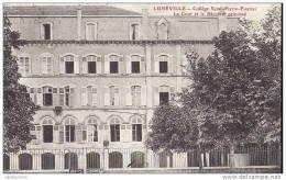 54 LUNEVILLE COLLEGE SAINT PIERRE FOURIER LA COUR ET LE BATIMENT PRINCIPAL.CPA BON ETAT - Luneville