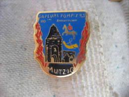 Pin´s Du 110e Anniversaire Des Sapeurs Pompiers De MUTZIG - Brandweerman