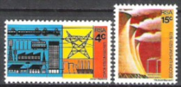 Südafrika South Africa RSA 1973 Wirtschaft Stromgewinnung Energie Elektrizität Kraftwerke Kühlturm, Aus Mi. 415-7 ** - Südafrika (1961-...)