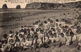 64 HENDAYE Sur Les Bords Du Golfe De Gascogne , Les Jeunes Enfants De L'Asile De La Ville De Paris - Hendaye