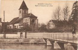 Cpa De Mirebeau,l'eglise Et Passerelle Sur La Beze - Mirebeau