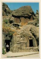 ARMENIA: MONASTERO DI GHERART  PRESSO GARNI     (NUOVA CON DESCRIZIONE DEL SITO SUL RETRO) - Armenia
