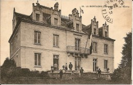 44 - LA  MONTAGNE - T.Belle Vue Animée Devant La Mairie . - La Montagne
