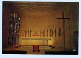3735   Cpm  HYERES Les PALMIERS : Sanctuaire Notre Dame De Consolation , Vitrail De Gabriel Loire - Hyeres