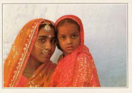 INDIA  JAISALMER:   DONNA  EBAMBINA  DEL RAJASTHAN       (NUOVA CON DESCRIZIONE DEL SITO SUL RETRO) - India