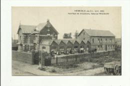 CPA:HERMIES.(dép 62).OUVRIERS DEVANT LA FABRIQUE DE MOUCHOIRS VALENCE.PRADOURA.(oct.1925). - France