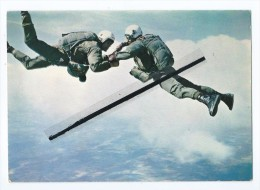 CPM - Parachutisme - Parachute - Parachutiste - Parachutisme