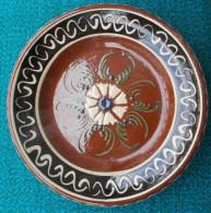 Assiette En Terre Cuite Vernissée à Suspendre - Ceramics & Pottery