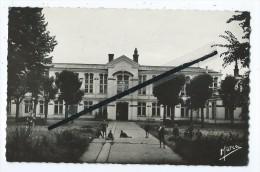 CPSM - N°7 - Villiers Sur Marne - Sanatorium - Cour Interieur - Villiers Sur Marne