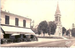 33 SAINT JEAN D'ILLAC  PLACE EGLISE CAFE L'OUSTAL 1964 - Autres Communes