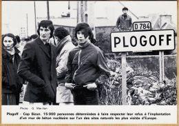 X29012 PLOGOFF Manifestation Anti-Nucléaire 5 Avril 1975 Cap SIZUN REFUS Implantation MUR BETON N°169/1000 Finistere - France