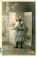 Belle Carte   -  Enfants Et Fleurs   ,Bonne Féte                 D201 - Scènes & Paysages