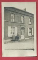 Carte Photo à Situer - Matagne- La- Grande ??? - Famille Devant Leur Maison - Cartes Postales