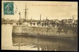 Cpa Du 85 Les Sables D' Olonne  Entrée Du Port       FRM 9 - Sables D'Olonne
