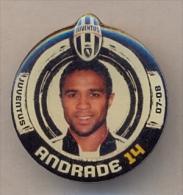 PIN´S FOOTBALL JUVENTUS - GIOCATORE (JORGE ANDRADE - N° 14) STAGIONE 2007/08 - LEGGI - Pin's (Badges)