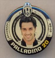 PIN´S FOOTBALL JUVENTUS - GIOCATORE (RAFFAELE PALLADINO - N° 20) STAGIONE 2007/08 - LEGGI - Pin's (Badges)