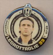 PIN´S FOOTBALL JUVENTUS - GIOCATORE (NICOLA LEGROTTAGLIE - N° 33) STAGIONE 2007/08 - LEGGI - Pin's (Badges)