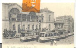 PARIS - La Gare De Montparnasse , Trés Bon état ( Voir Scan ) Tramway - Stazioni Senza Treni