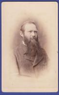 0732 / CDV-Photo +/- 1880 - Feiner Herr, Prachtvoller Bart - Fotograf: Albert Obermüller, Carlsruhe - Alte (vor 1900)