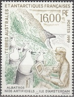 TAAF 1999 Yvert 243 Neuf ** Cote (2015) 7.90 Euro Nids Artificiels Pour Albatros - Terres Australes Et Antarctiques Françaises (TAAF)