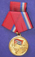 *O314 CUBA MILITAR MEDAL INTERNATIONALISM. FIRT CLASS - Tokens & Medals