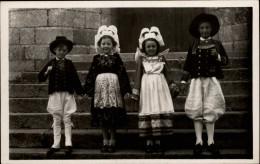 29 - TREGUNC - Costumes - Coiffes - - Trégunc