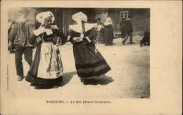 29 - TREGUNC - Costumes - Coiffes - Danse Bretonne - Trégunc