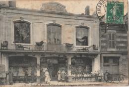 18 - SAINT-AMAND-MONTROND - 113 - Magasin Des Nouvelles Galeries - Saint-Amand-Montrond