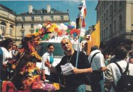 Rennes  - 1999  Gay  And Lesbian Pride . Char Aides . Place Mairie - Rennes