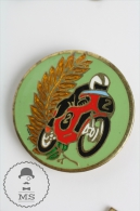 Old Motorcycle Racing Green & Red Colur - Pin Badges #PLS - Transportes