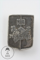 Old Club Nestle Advertising Pin Badges #PLS - Marcas Registradas