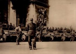 LE GENERAL KOENIG A L'ARC DE TRIOMPHE....CPSM GRAND FORMAT - Guerre 1939-45
