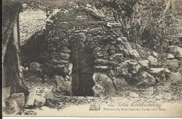Forêt De FONTAINEBLEAU , Fontaine Du Mont Chauvet ( Vallée De La Solle ) - Fontainebleau