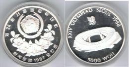 COREA DEL SUR 5000 WON ESTADIO 1987 OLYMPIAD SEOUL PLATA SILVER - Coreal Del Sur