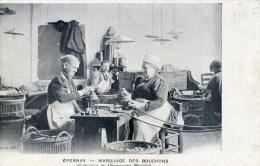 51 EPERNAY  CHAMPAGNE .MERCIER  Marquage Des Bouchons Carte Précurseur Très Animée - Epernay
