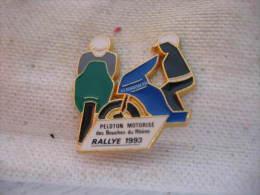 Pin´s Du Peloton Motorisé De Gendarmerie Des Bouches Du Rhone Pour Le Rallye 1993 - Police