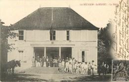 La Réunion - Saint-Benoit - ** La Mairie Très Animée ** - Cpa Circulée En 1904 - Voir 2 Scans. - Saint Benoît