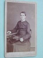 PRIESTER - PRIEST - PASTOOR - PATER - PADRE Identify ( CDV Phot. Ghémar Bruxelles Anno ? / Zie Foto Voor Details ) ! - Photos