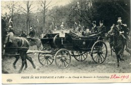 77  - Fontainebleau ; Visite Du Roi D´Espagne à Paris -Au Champ De Manoeuvre De Fontainebleau. - Fontainebleau
