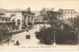 13198. Postal LYON (Rhone). Gare De Perrache Et Hotel Terminus - Lyon