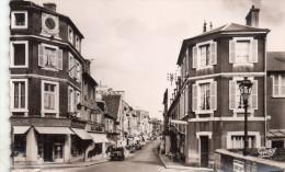 Cpsm 14 Bayeux , Rue Saint-jean - Bayeux