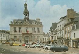 56 Auray Place De La Mairie  Et Ses Veilles Voitures - Auray