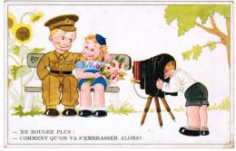 Postkaart Militair Humor: Ne Bougez Plus! Comment Qu'on Va S'embrasser Alors! (pk20694) - Humoristiques