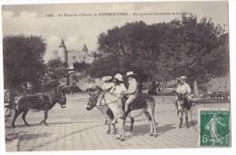 NOIRMOUTIER. - La Place Du Château . Ânes Et Ses Cavaliers. Superbe Cliché. RARE - Noirmoutier