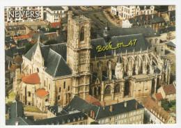 {71869} 58 Nièvre Nevers , Flanc Sud De La Cathédrale Saint Cyr Et Sainte Julitte - Nevers
