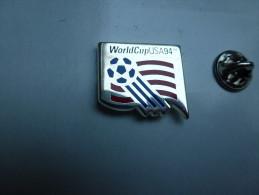 Superbe Pin's Neuf En Zamac , Football , Coupe Du Monde USA 94 , Bowl - Football