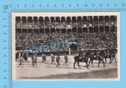"""CorridaTaureau (Real Photo Réelle,"""" Paseo De Las Cuadrillas """" ) Post Card Carte Postale 2 Scans - Corrida"""