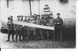 Soldats Allemands Devant Leur Cave Abri Panneau Ratskeller 1 Carte Photo 1914-1918 14-18 Ww1 Wk1 - War, Military