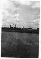 PETITE  PHOTO - CHANTIERS De FRANCE - DUNKERQUE -  Pétrolier En Cale - Seche En Construction -  30 Aout 1946 - Boats