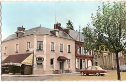 27 BEAUMONT LE ROGER  RELAIS DE LA POSTE  PANHARD - Beaumont-le-Roger